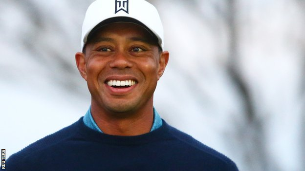 BBC Sport - Tiger Woods shows off a new smile after ...