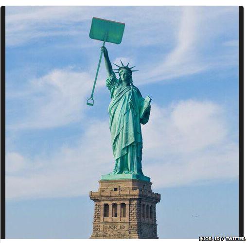 Statue of liberty snow meme