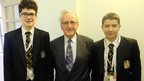 Holocaust survivor Ivor Perl with School Reporters
