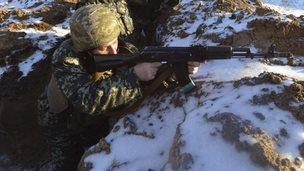 Ukrainian soldier in Luhansk region (24 Jan)