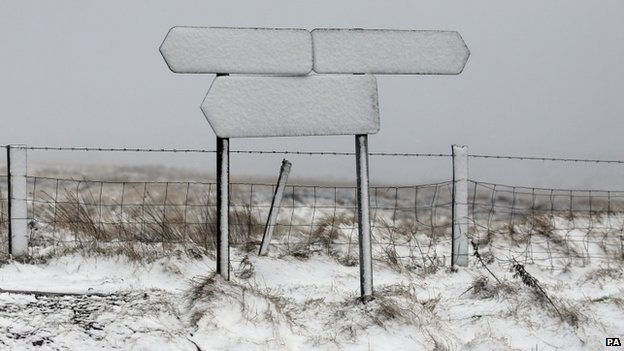 Road signs at Sheriffmuir, near Dunblane, were of no use to drivers after the snow fall