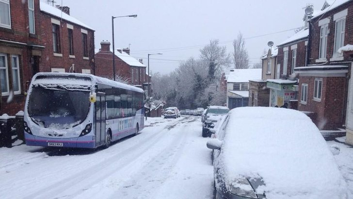 Bus parked on Derbyshire Lane, Sheffield