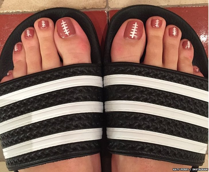 Katy Perry's SuperBowl manicure