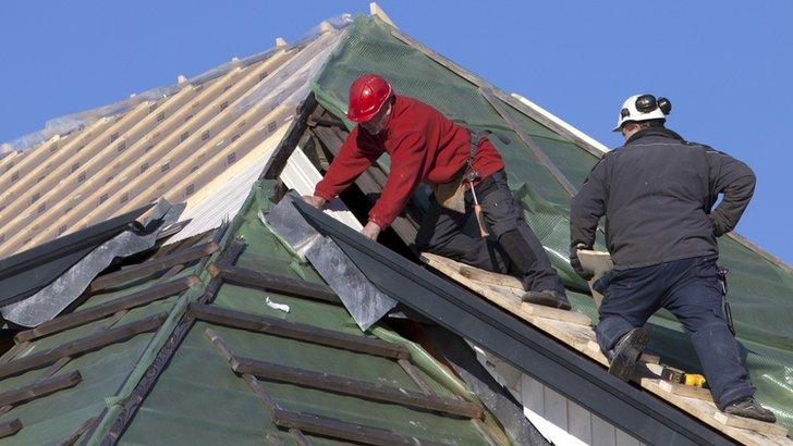 builders on roof