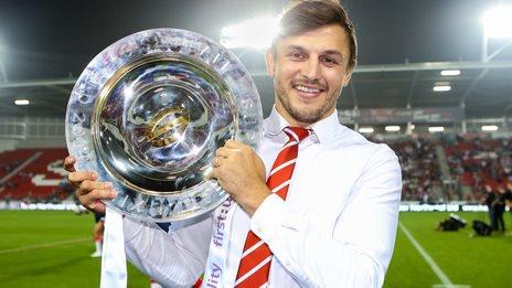 St Helens' Jon Wilkin with the League Leaders Shield
