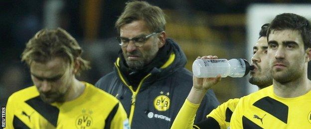 Borussia Dortmund coach Jurgen Klopp (centre)
