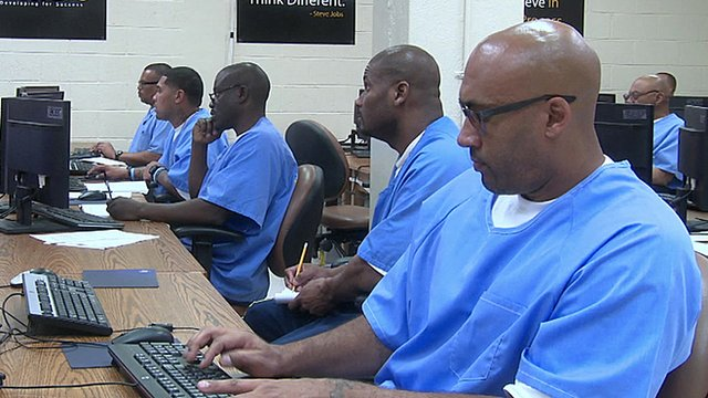 The prisoners trying to code their way to a better life - BBC News