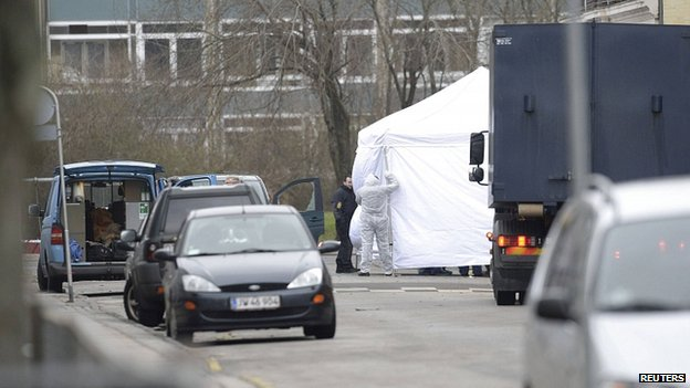 Forensic police officers at scene of shooting in Copenhagen. 15 Feb 2015