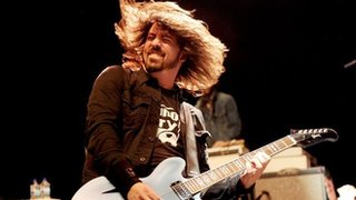 BBC - Newsbeat - Foo Fighters reveal at NME Awards that they're headlining Glastonbury