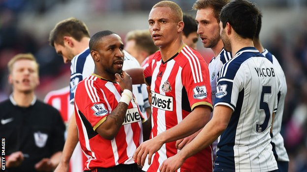 Jermain Defoe and Claudio Yacob