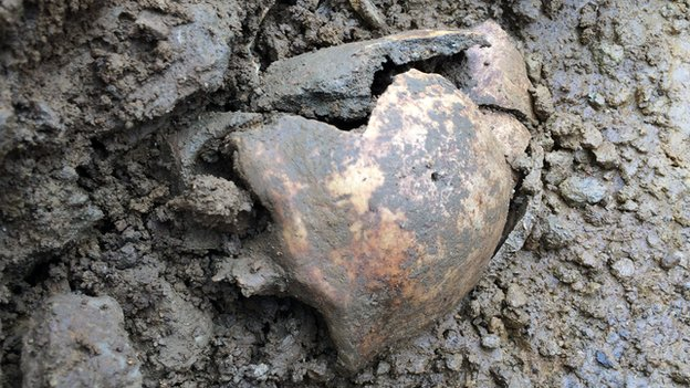 Skull thought to be that of Bodica's found near the Roman tombstone (speculation only as tests have not yet been carried out)