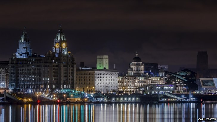 Three Graces by night