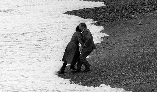 Neil Kinnock with his wife before falling on Brighton Beach 1983