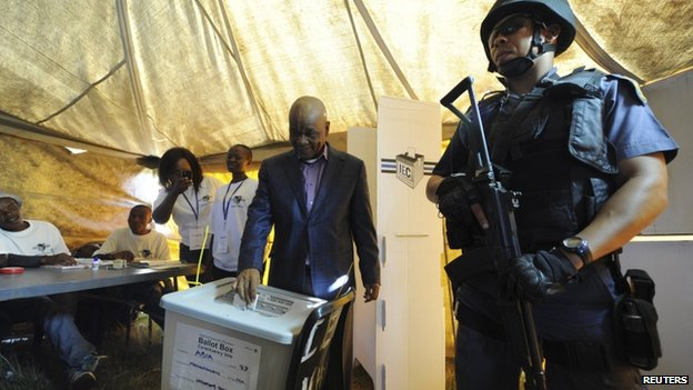 Prime Minister Thomas Thabane casting his vote in Lesotho's elections