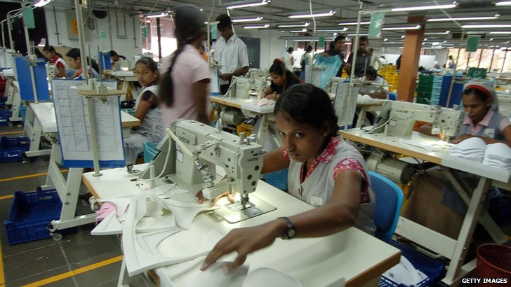 Factory workers in Sri Lanka