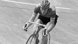 Cyclist Beryl Burton