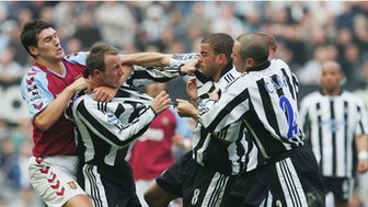 Lee Bowyer and Kieron Dyer clash in 2005