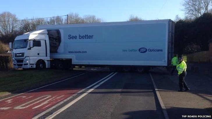 Specsavers truck blocking road