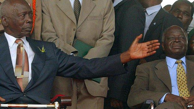 Former Kenyan Presidents Moi and Kibaki (R) in 2002