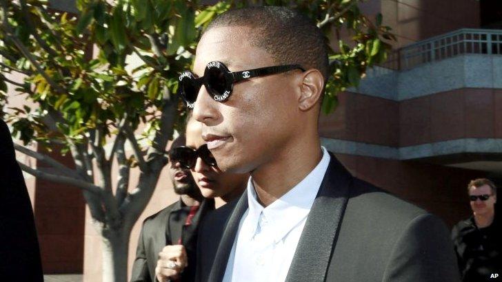 Pharrell Williams arrives at court