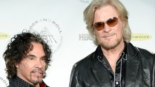 BBC News - Hall and Oates sue over cereal name