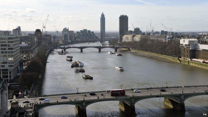 Westminster and Lambeth bridges