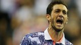 James Ward beats John Isner in the Davis Cup