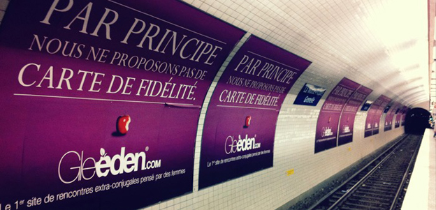 Gleeden advert on Metro