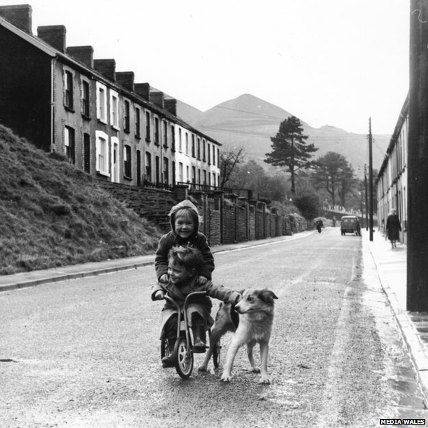 Children in Aberfan a year after the disaster