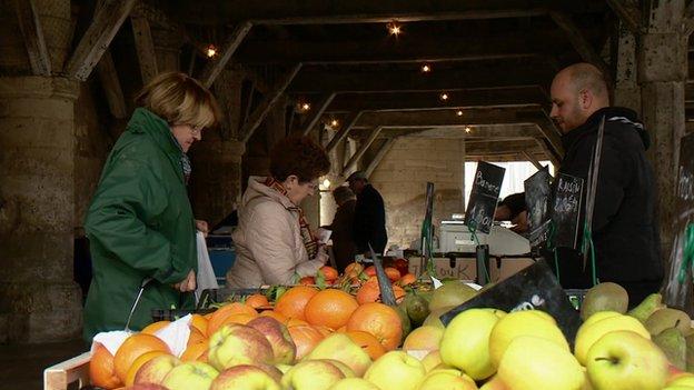 Market stall in Fere-en-Tardenois