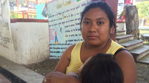 Erica de la Cruz Pascual with her daughter