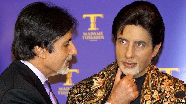 Amitabh Bachchan with his wax model