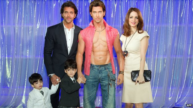 Hrithik Roshan and his family pose with his statue