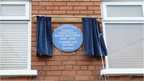 The plaque was unveiled on Friday during a ceremony outside Danny Blanchflower's childhood home in Grace Avenue, east Belfast