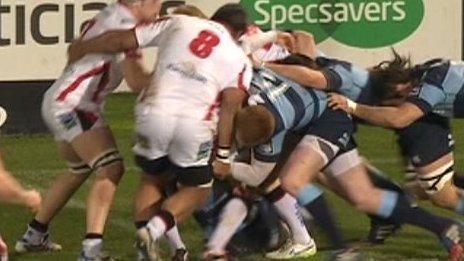 Nick Williams collides with Rhys Patchell