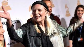 BBC News - Singer Joni Mitchell in 'intensive care' in LA hospital