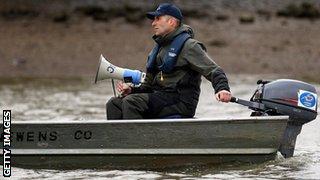 coaching rowing