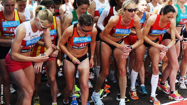 Paula Radcliffe on the start line with elite runners in London
