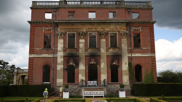 Bbc news clandon park house fire mansion left a 39 shell 39 - Difference shell house turnkey ...