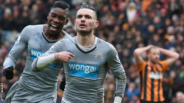 Remy Cabella celebrates his goal for Newcastle against Hull