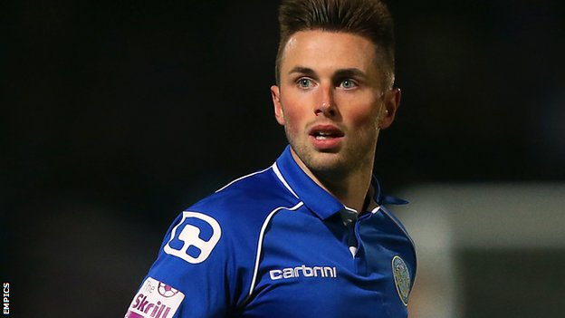 Bbc Sport Chris Holroyd Macclesfield Town Striker Signs