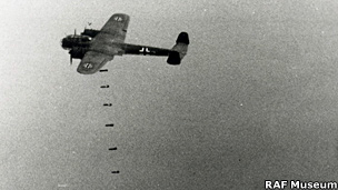 Dornier Do 17 dropping bombs on a target
