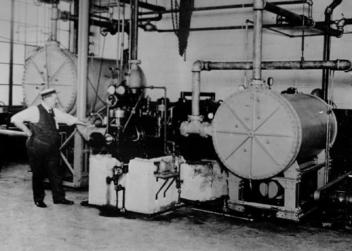Centrifugal refrigeration machine invented by Willis Carrier, 1922