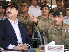 Pakistani prime minister Yousuf Gilani and army chief, General Ashfaq Kiyani