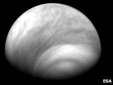 General view from below the south pole of weather on Venus (Esa)