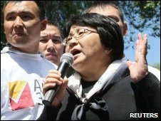 Acting Kyrgyz leader Roza Otunbayeva speaks during a rally of supporters in the centre of Bishkek - 16 May 2010