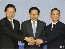Japanese Prime Minister Yukio Hatoyama, South Korean President Lee Myung-Bak and Chinese Premier Wen Jiabao