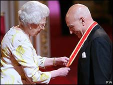 Sir Patrick Stewart (right) with the Queen