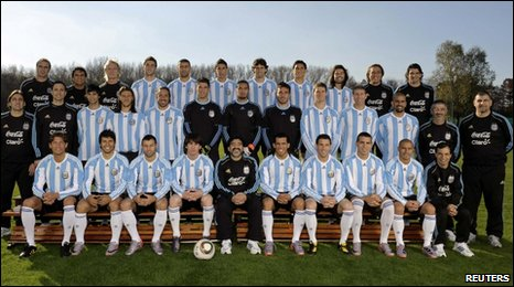 Official Argentina squad photograph: Messi to immediate left of coach Diego Maradona (centre)