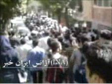 Demonstrators at Tehran's Sharif University of Technology, 12 June (still from video posted on YouTube)